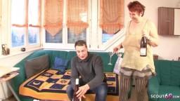 Geile Rothaarige Oma fickt mit Ihrem jungen Nachbarn